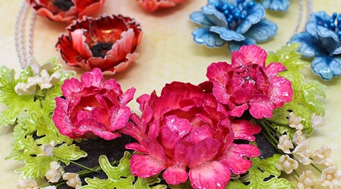 How to Create Elegant Floral Necklaces
